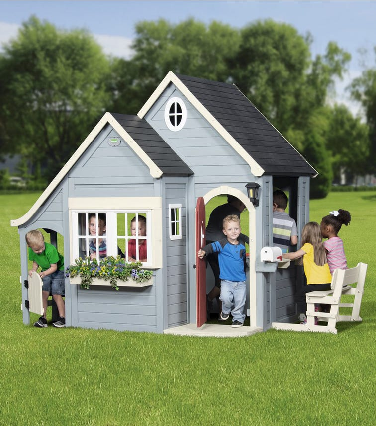 BACKYARD DISCOVERY Spring Cottage Play House