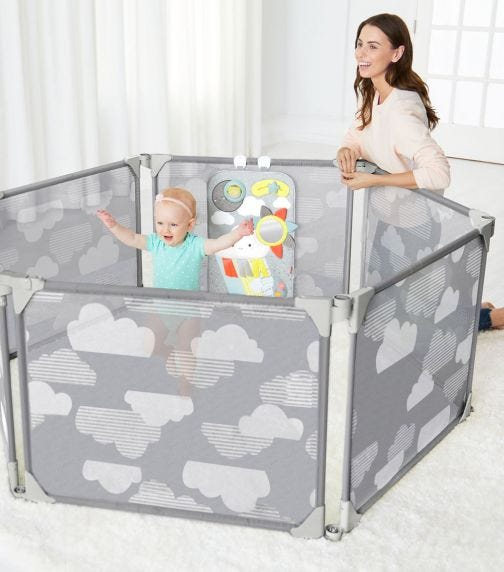 SKIP HOP Playview Expandable Enclosure Grey Clouds