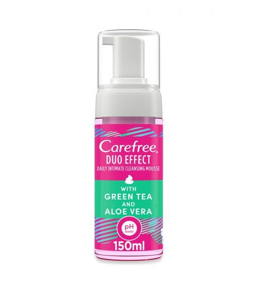 CAREFREE Daily Intimate Cleansing Mousse, Duo Effect With Green Tea And Aloe Vera, 150 ML